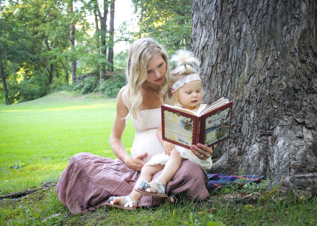 20160720-reagan reading with mom